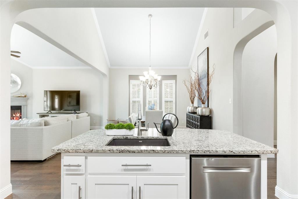 7208 Nirvana  Circle, North Richland Hills, Texas 76182 - acquisto real estate best luxury buyers agent in texas shana acquisto inheritance realtor