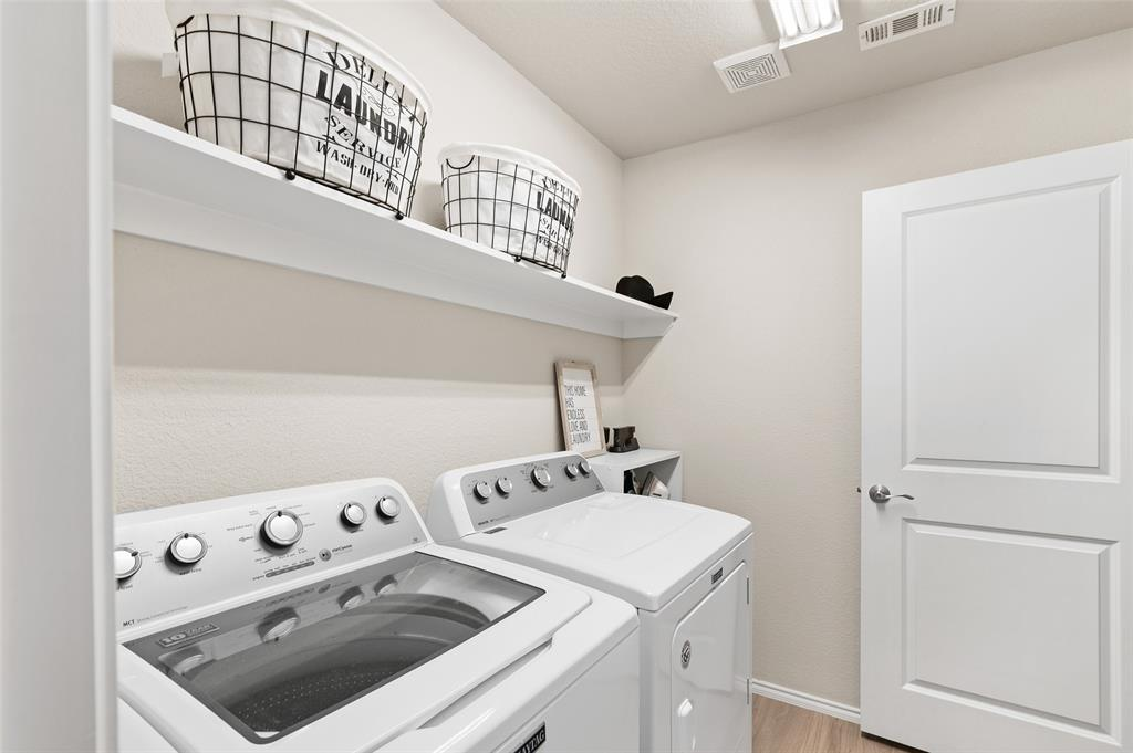 4014 Kensington  Drive, Sanger, Texas 76266 - acquisto real estate best park cities realtor kim miller best staging agent