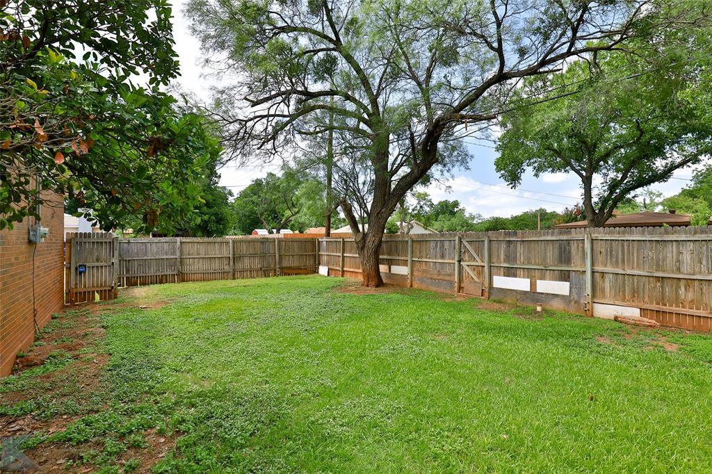 1402 Glenhaven  Drive, Abilene, Texas 79603 - acquisto real estate best luxury home specialist shana acquisto