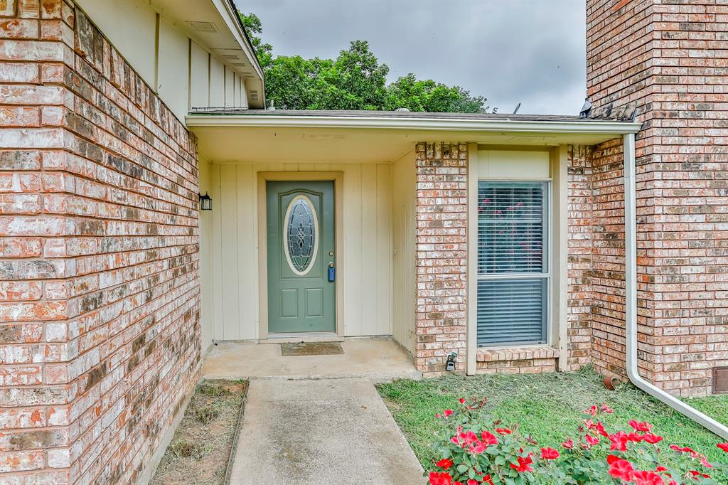 2800 Treeview  Drive, Arlington, Texas 76016 - acquisto real estate best allen realtor kim miller hunters creek expert