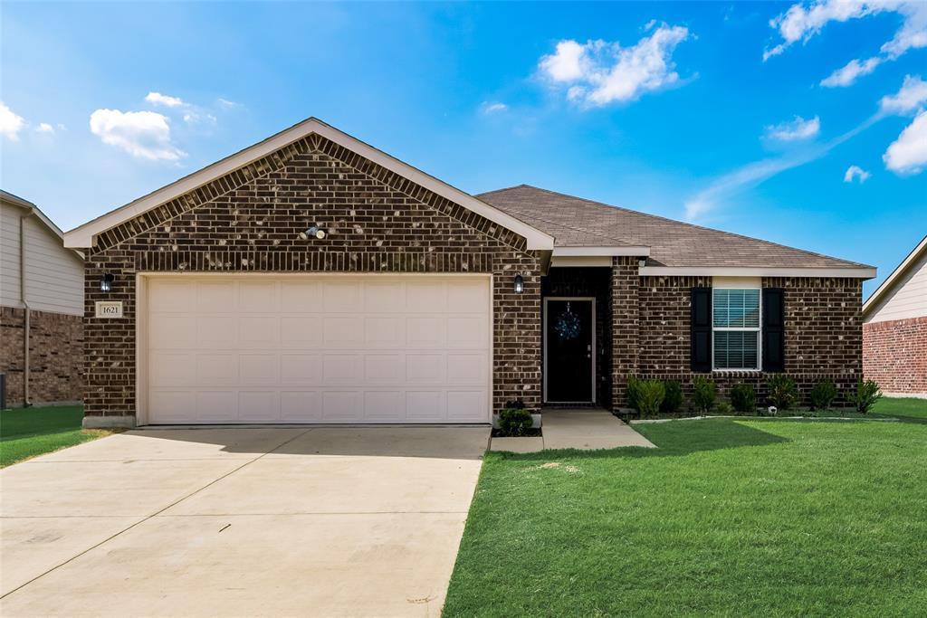1621 Waggoner  Drive, Aubrey, Texas 76227 - Acquisto Real Estate best frisco realtor Amy Gasperini 1031 exchange expert