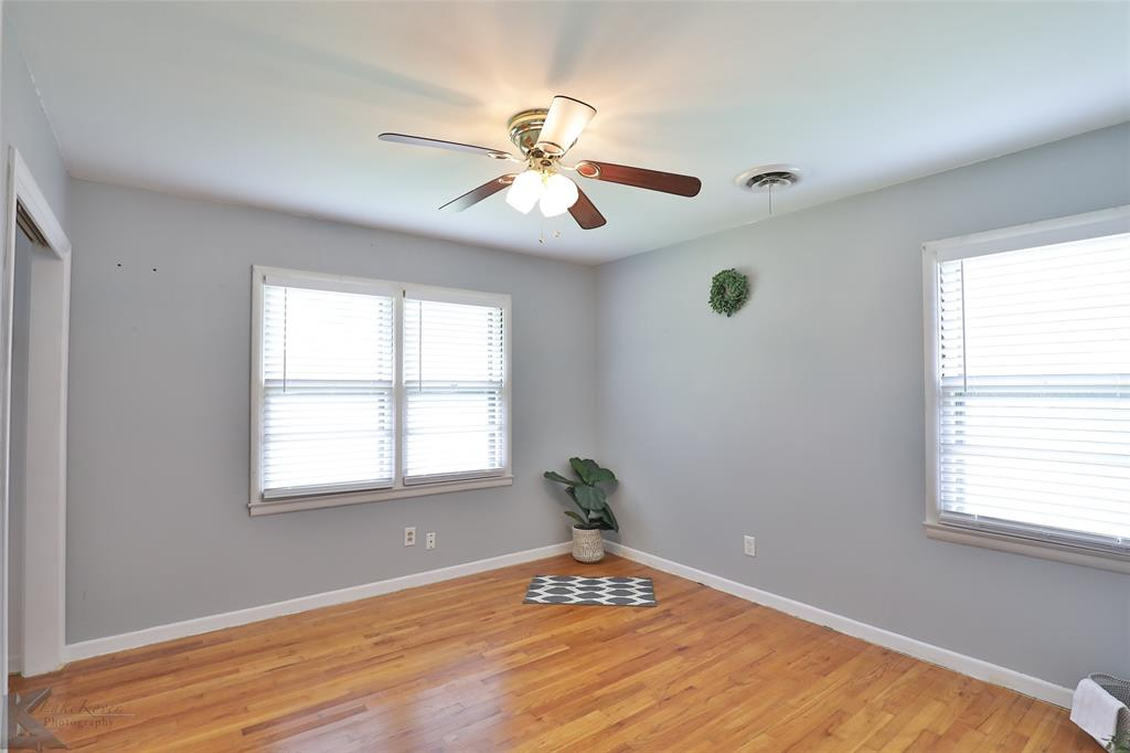1402 Glenhaven  Drive, Abilene, Texas 79603 - acquisto real estate best park cities realtor kim miller best staging agent