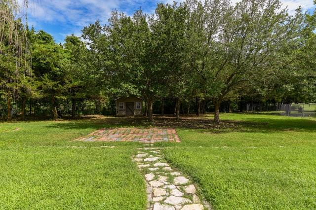 1304 Azalea  Lane, Waxahachie, Texas 75165 - acquisto real estate best frisco real estate broker in texas for high net worth buyers