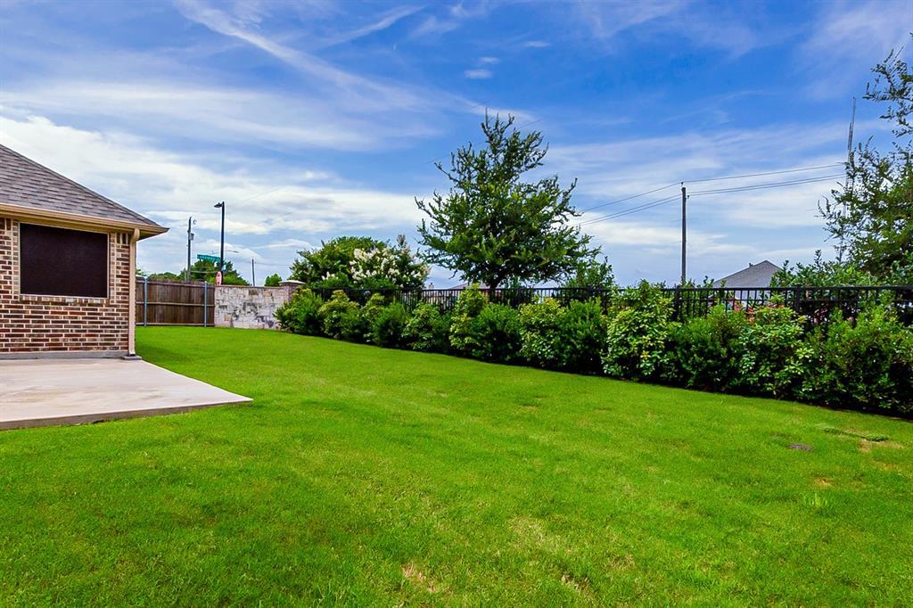 5025 Hidden Creek  Road, Garland, Texas 75043 - acquisto real estate best realtor dfw jody daley liberty high school realtor