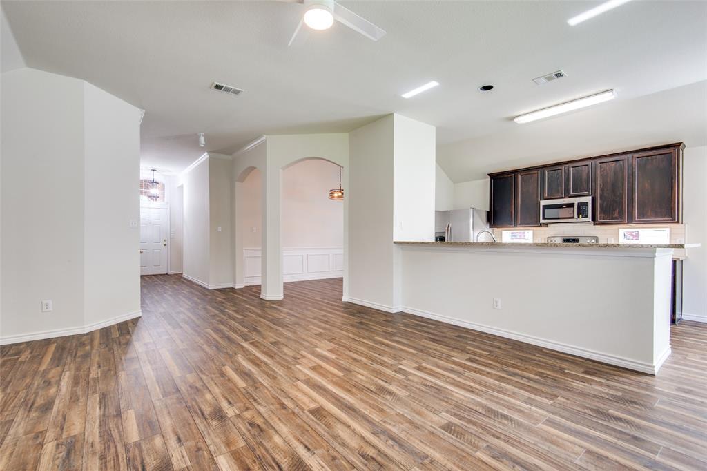 5913 Meadowglen  Drive, Denton, Texas 76226 - acquisto real estate best luxury buyers agent in texas shana acquisto inheritance realtor
