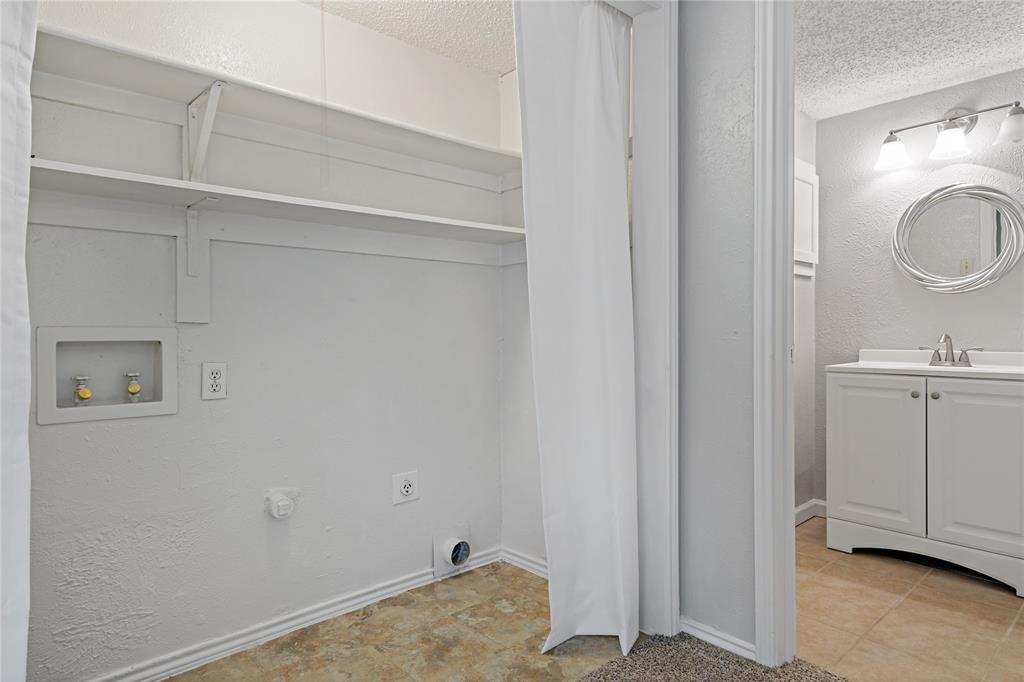 8109 Skillman  Street, Dallas, Texas 75231 - acquisto real estate best negotiating realtor linda miller declutter realtor