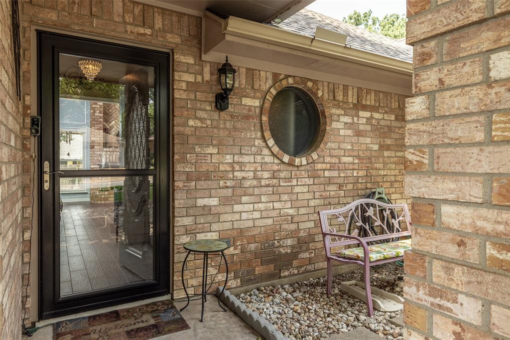 802 Glenn  Drive, Euless, Texas 76039 - acquisto real estate best frisco real estate broker in texas for high net worth buyers