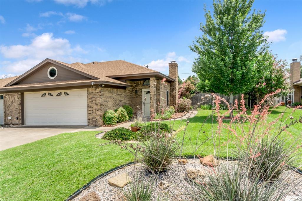 239 Mountainview  Drive, Hurst, Texas 76054 - Acquisto Real Estate best frisco realtor Amy Gasperini 1031 exchange expert