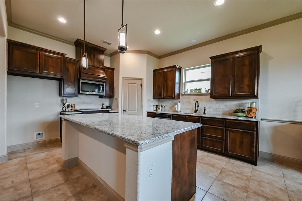 3016 Capital Hill  Drive, Burleson, Texas 76028 - acquisto real estate best style realtor kim miller best real estate reviews dfw