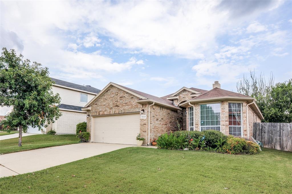 10628 Ashmore  Drive, Fort Worth, Texas 76131 - Acquisto Real Estate best mckinney realtor hannah ewing stonebridge ranch expert
