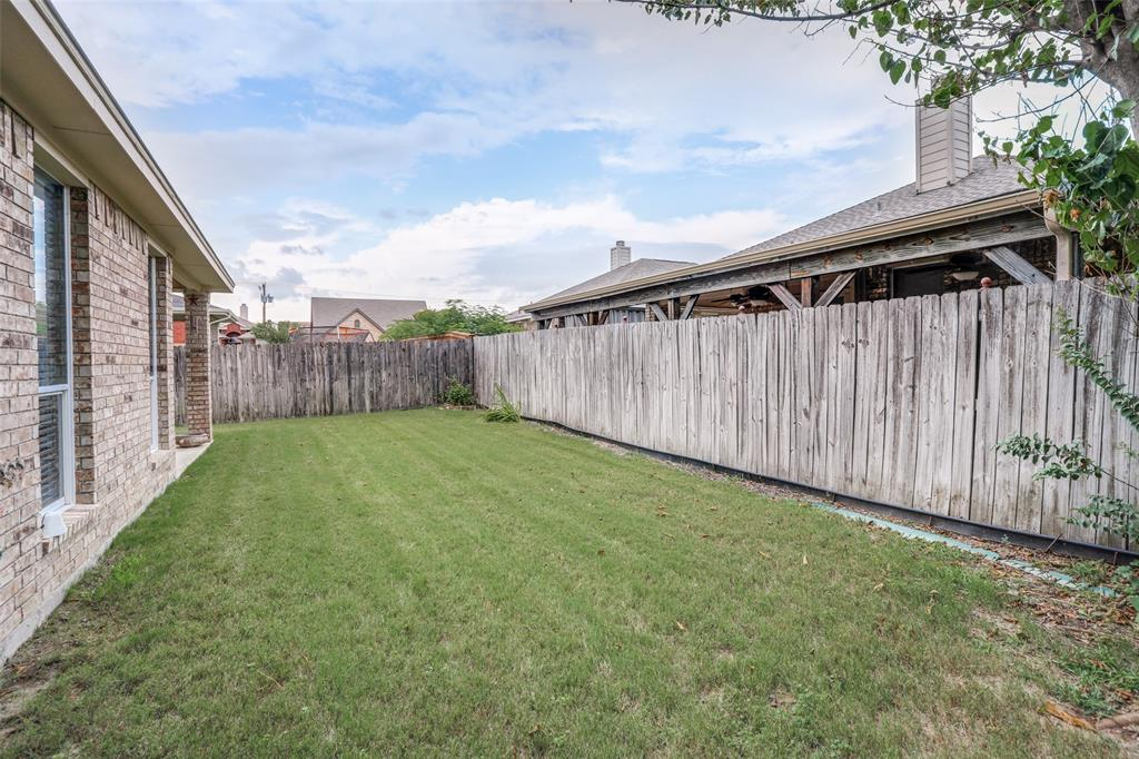 10628 Ashmore  Drive, Fort Worth, Texas 76131 - acquisto real estate best frisco real estate agent amy gasperini panther creek realtor
