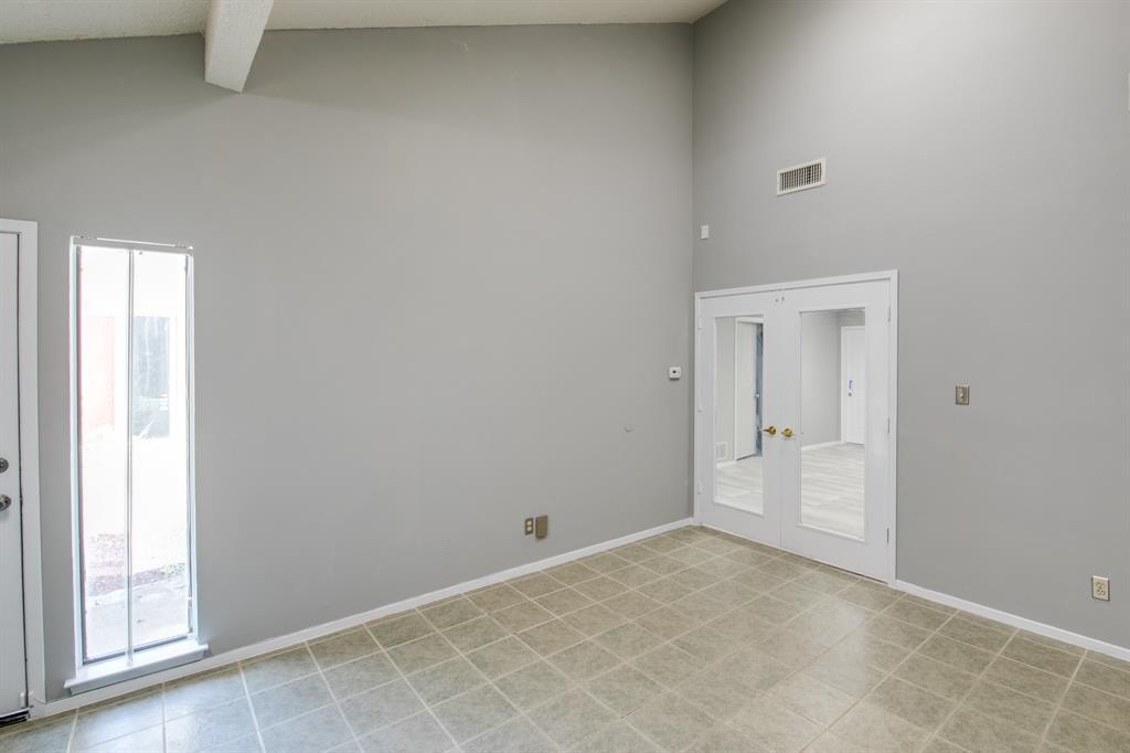 3105 Arkansas  Lane, Dalworthington Gardens, Texas 76016 - acquisto real estate best highland park realtor amy gasperini fast real estate service