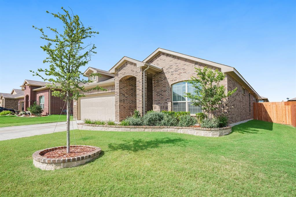 1215 Burlingame  Drive, Cleburne, Texas 76033 - Acquisto Real Estate best plano realtor mike Shepherd home owners association expert