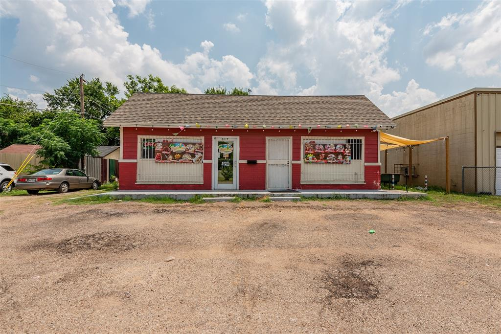 2817 Vaughn  Boulevard, Fort Worth, Texas 76105 - Acquisto Real Estate best frisco realtor Amy Gasperini 1031 exchange expert