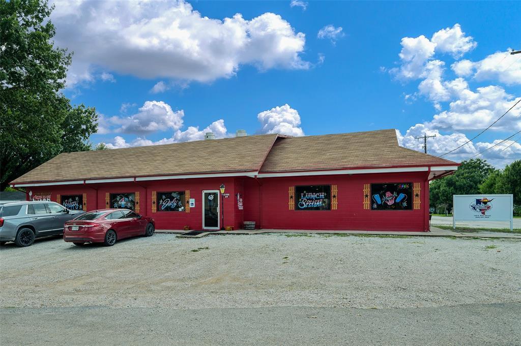 120 Main  Street, Lindsay, Texas 76250 - Acquisto Real Estate best frisco realtor Amy Gasperini 1031 exchange expert