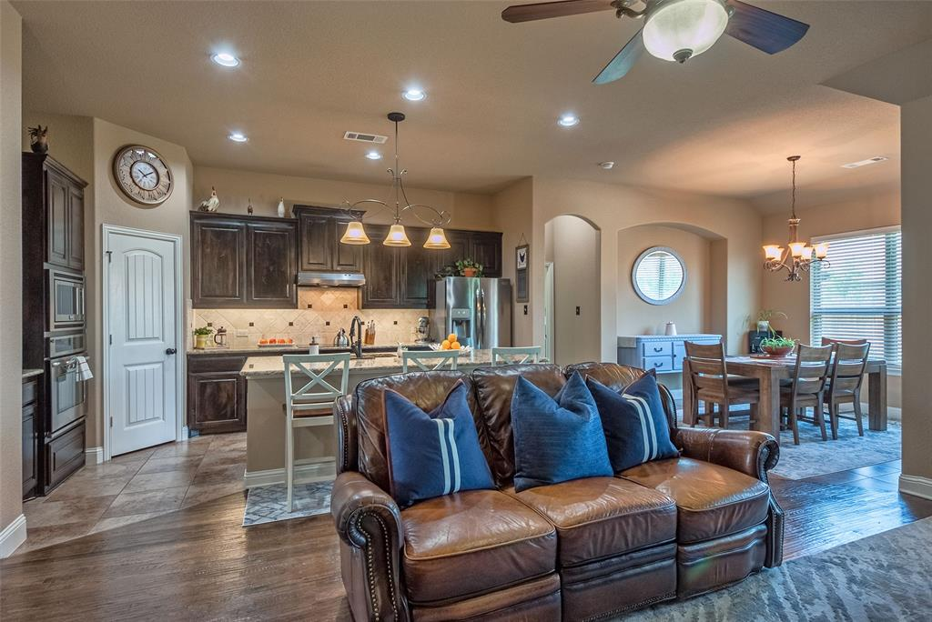 5617 Iceberg  Court, Midlothian, Texas 76065 - acquisto real estate best new home sales realtor linda miller executor real estate