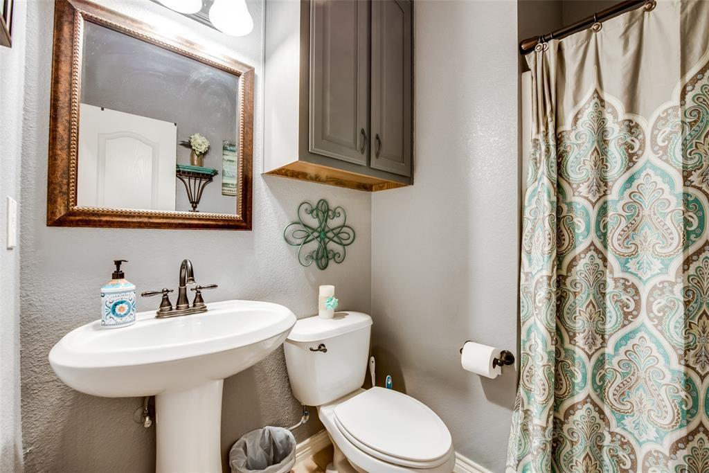 5709 Eagle Mountain  Drive, Denton, Texas 76226 - acquisto real estate best photos for luxury listings amy gasperini quick sale real estate