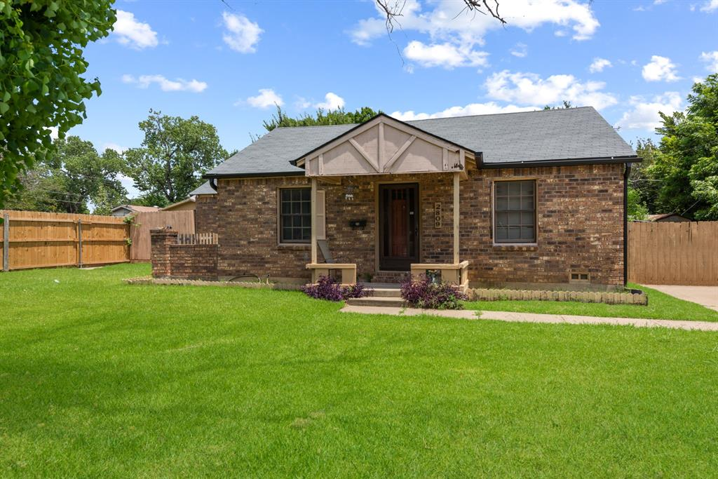 2809 Mims  Street, Fort Worth, Texas 76112 - Acquisto Real Estate best frisco realtor Amy Gasperini 1031 exchange expert