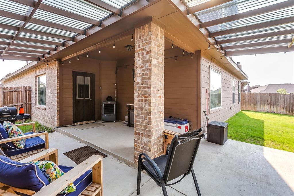 321 Avila  Lane, Fort Worth, Texas 76052 - Acquisto Real Estate best frisco realtor Amy Gasperini 1031 exchange expert