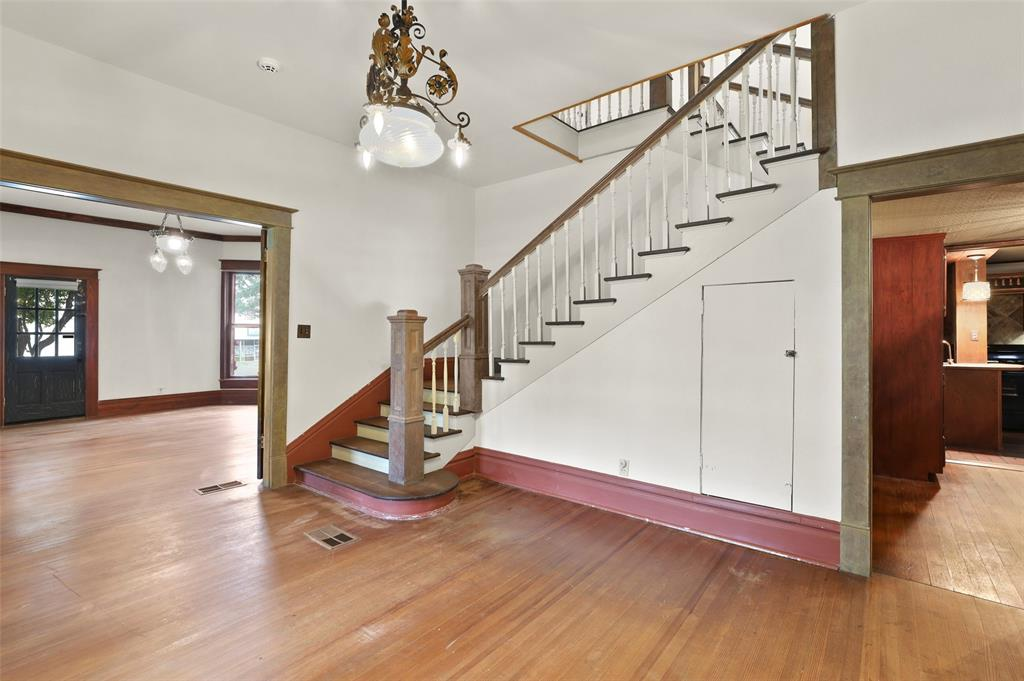 803 Nash  Street, Terrell, Texas 75160 - acquisto real estate best real estate company to work for