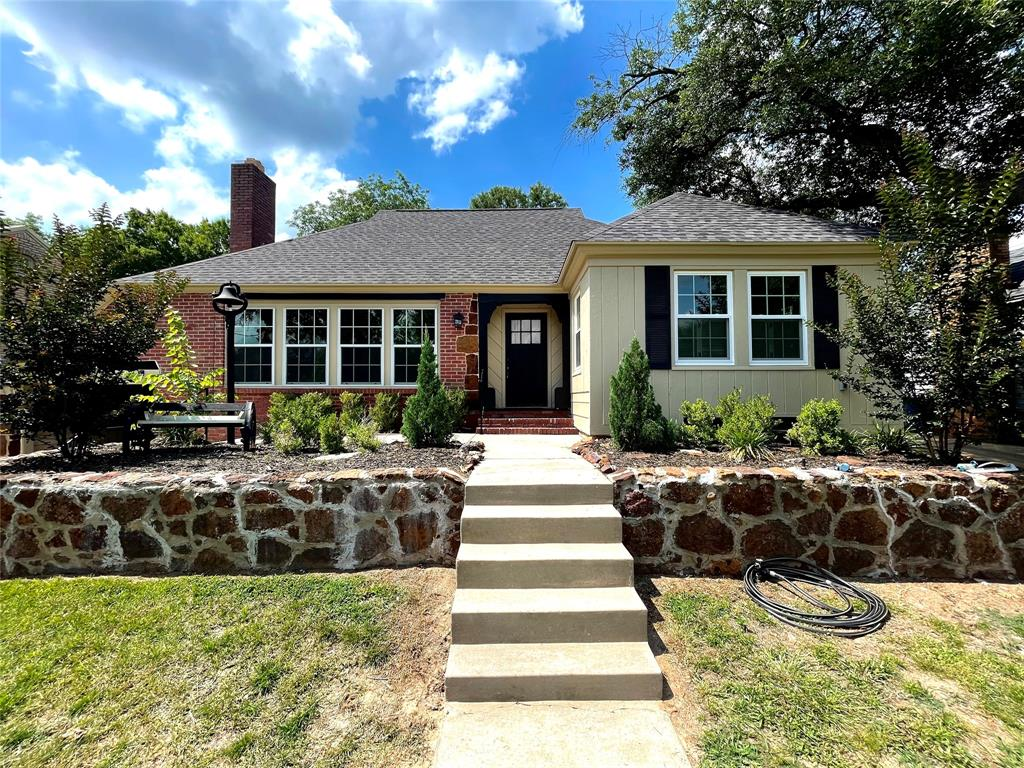 104 Red Oak  Henderson, Texas 75654 - Acquisto Real Estate best frisco realtor Amy Gasperini 1031 exchange expert