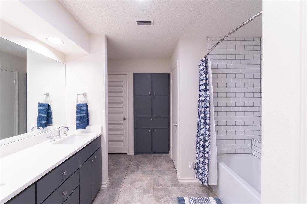 3413 Wayland  Drive, Fort Worth, Texas 76133 - acquisto real estate best negotiating realtor linda miller declutter realtor