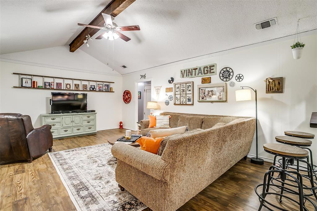 1010 Yvonne  Drive, Joshua, Texas 76058 - acquisto real estate best listing agent in the nation shana acquisto estate realtor
