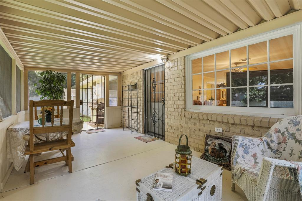204 Revere  Drive, Fort Worth, Texas 76134 - acquisto real estate mvp award real estate logan lawrence