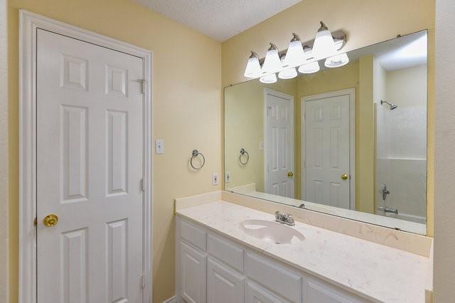 1304 Azalea  Lane, Waxahachie, Texas 75165 - acquisto real estate best style realtor kim miller best real estate reviews dfw