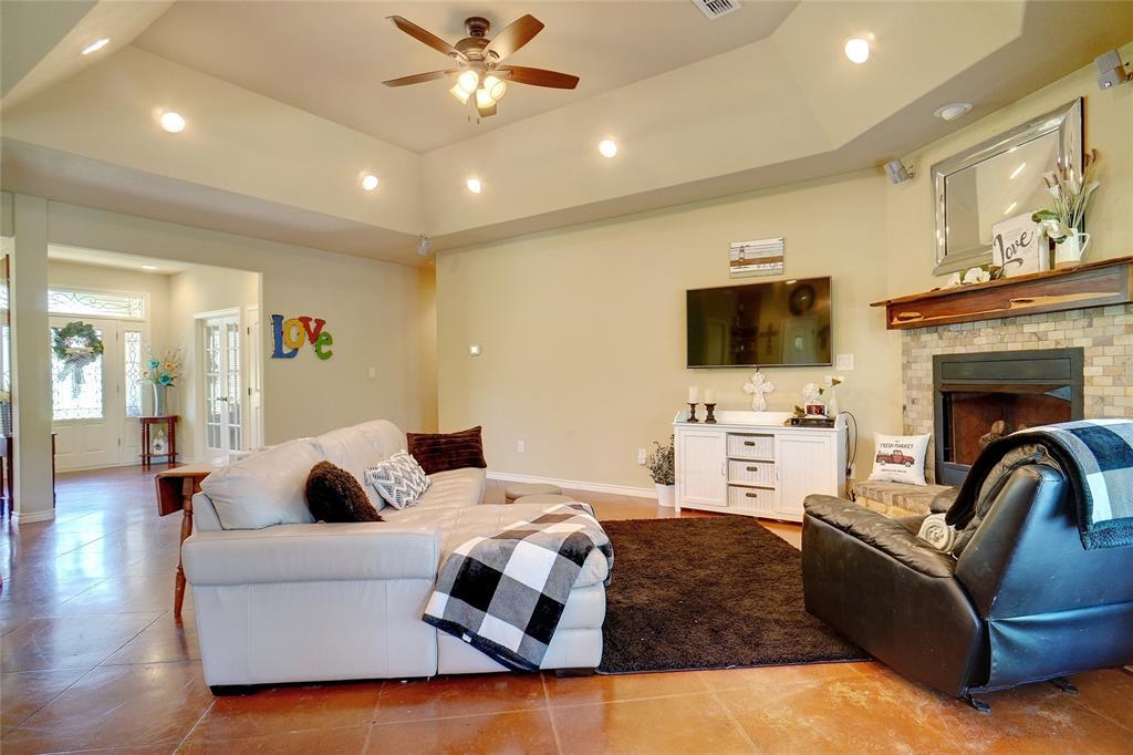 207 Goodson  Way, Denton, Texas 76207 - acquisto real estate best celina realtor logan lawrence best dressed realtor