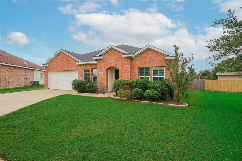 112 Jennie Marie  Circle, Ferris, Texas 75125 - Acquisto Real Estate best plano realtor mike Shepherd home owners association expert