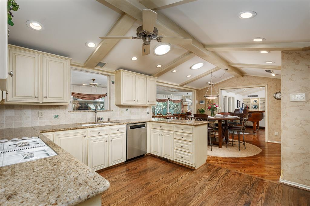 6556 Meadowcreek  Drive, Dallas, Texas 75254 - acquisto real estate best designer and realtor hannah ewing kind realtor