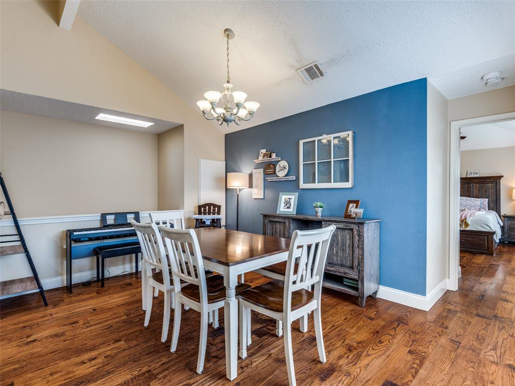 1607 San Francisco  Street, Carrollton, Texas 75007 - acquisto real estate best real estate company in frisco texas real estate showings