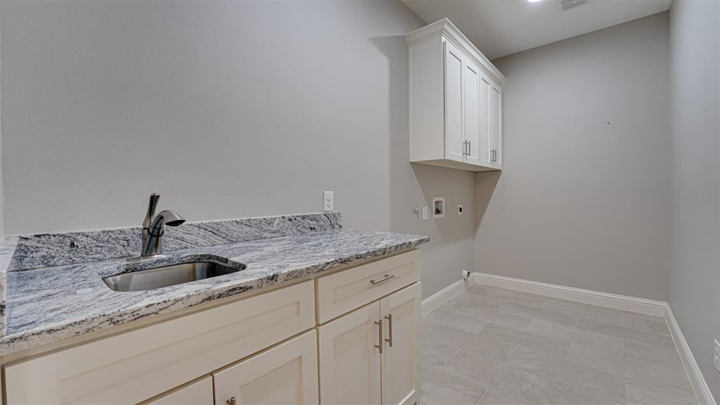 8206 Chesham  Drive, Rowlett, Texas 75088 - acquisto real estate best photos for luxury listings amy gasperini quick sale real estate