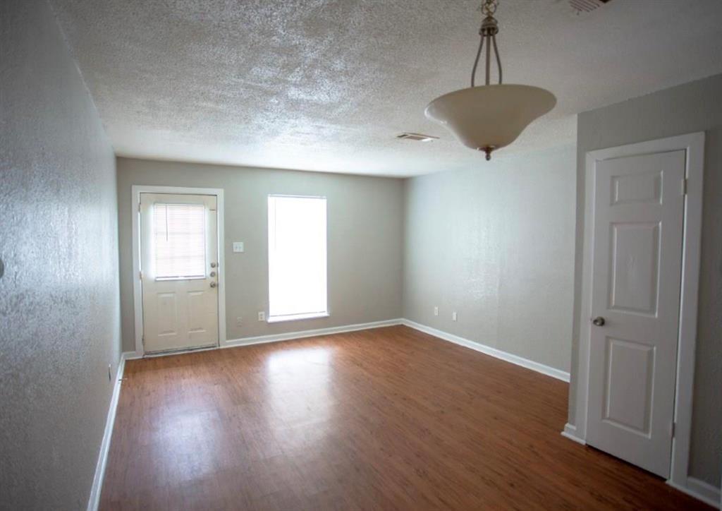 10500 Lake June  Road, Dallas, Texas 75217 - acquisto real estate best allen realtor kim miller hunters creek expert