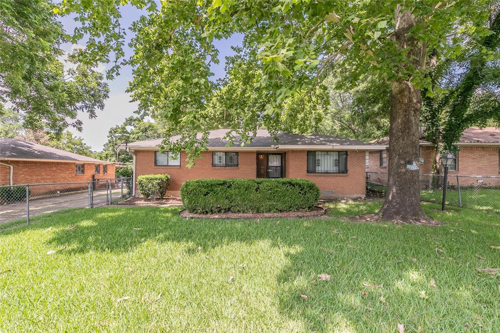 4341 Kolloch  Drive, Dallas, Texas 75216 - Acquisto Real Estate best plano realtor mike Shepherd home owners association expert