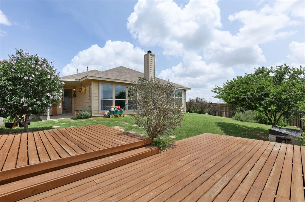 5601 Seafield  Lane, Fort Worth, Texas 76135 - acquisto real estate best realtor dallas texas linda miller agent for cultural buyers