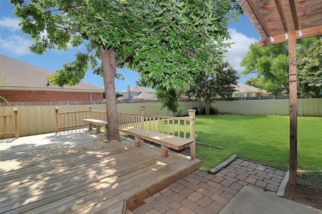 2208 Eden Green  Drive, Arlington, Texas 76001 - acquisto real estate best plano real estate agent mike shepherd