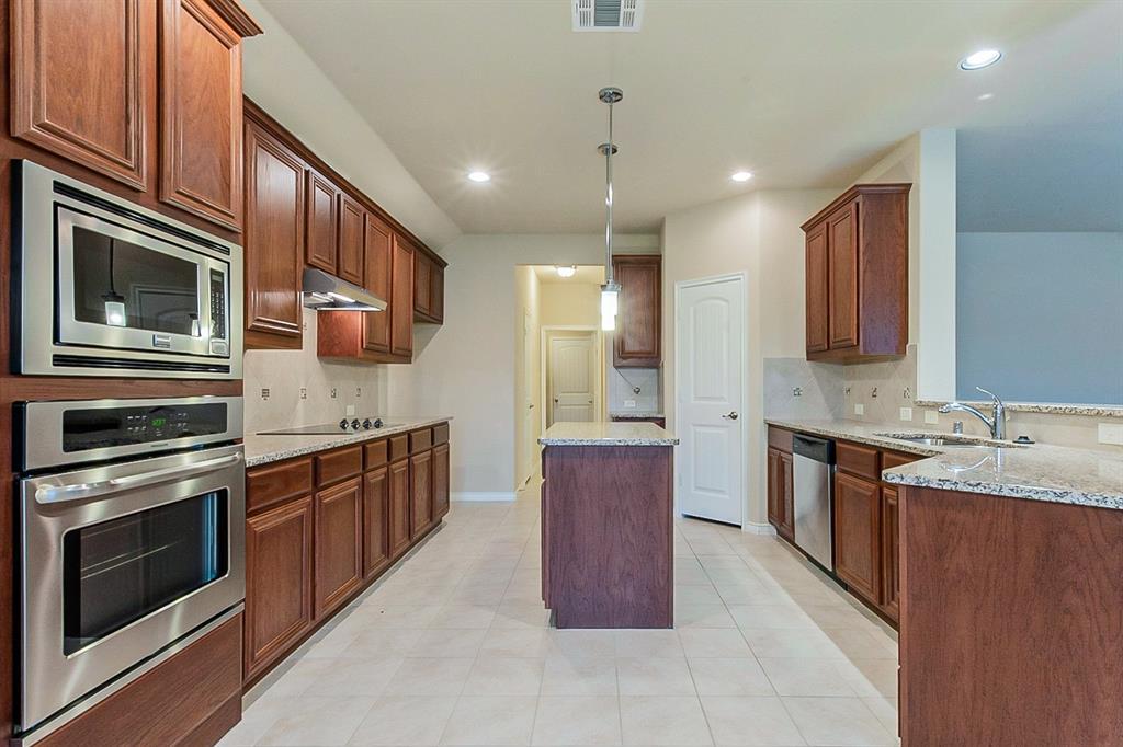 5025 Hidden Creek  Road, Garland, Texas 75043 - acquisto real estate best the colony realtor linda miller the bridges real estate