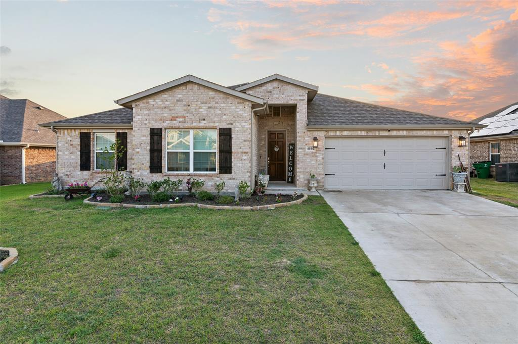 4014 Kensington  Drive, Sanger, Texas 76266 - Acquisto Real Estate best plano realtor mike Shepherd home owners association expert