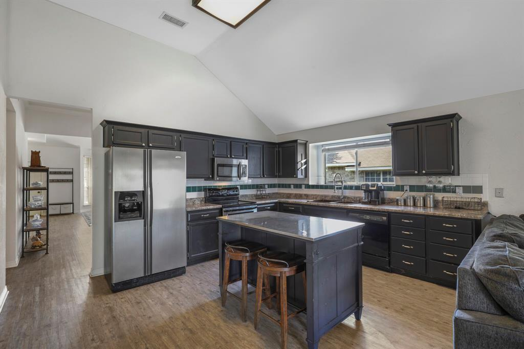 801 Bluffview  Drive, McKinney, Texas 75071 - acquisto real estate best the colony realtor linda miller the bridges real estate