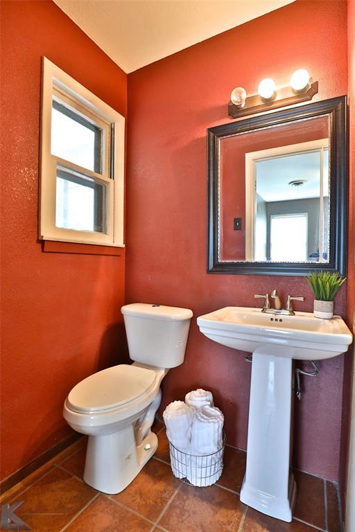 1402 Glenhaven  Drive, Abilene, Texas 79603 - acquisto real estate best photo company frisco 3d listings
