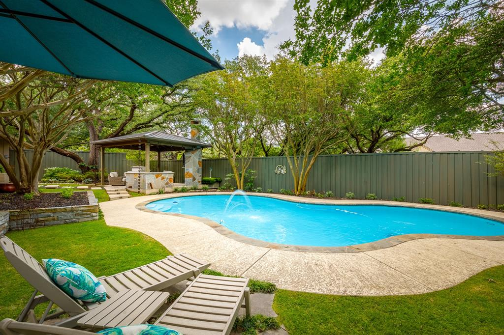 6556 Meadowcreek  Drive, Dallas, Texas 75254 - acquisto real estate best park cities realtor kim miller best staging agent