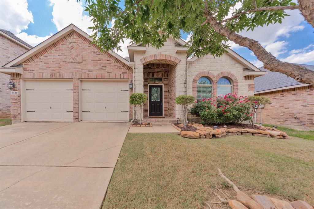 3940 Hunter Peak  Road, Fort Worth, Texas 76262 - Acquisto Real Estate best frisco realtor Amy Gasperini 1031 exchange expert
