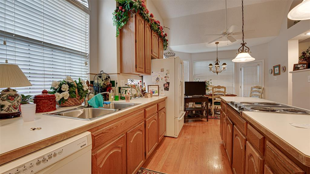 3617 Branchwood  Drive, Plano, Texas 75093 - acquisto real estate best realtor foreclosure real estate mike shepeherd walnut grove realtor