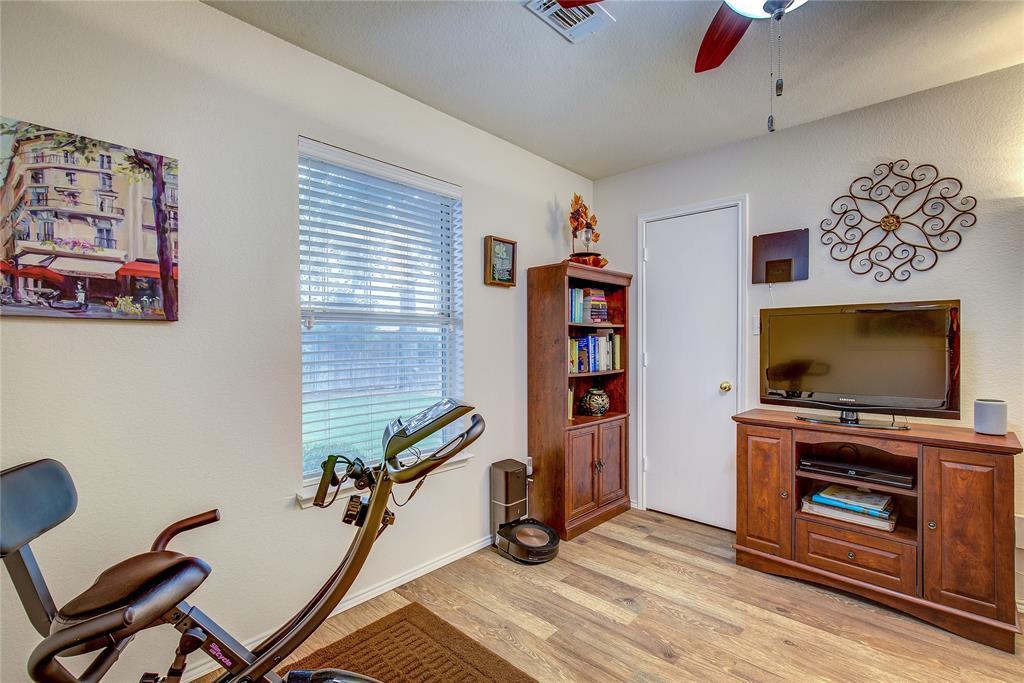 3005 Scenic Glen  Drive, Mansfield, Texas 76063 - acquisto real estate best negotiating realtor linda miller declutter realtor