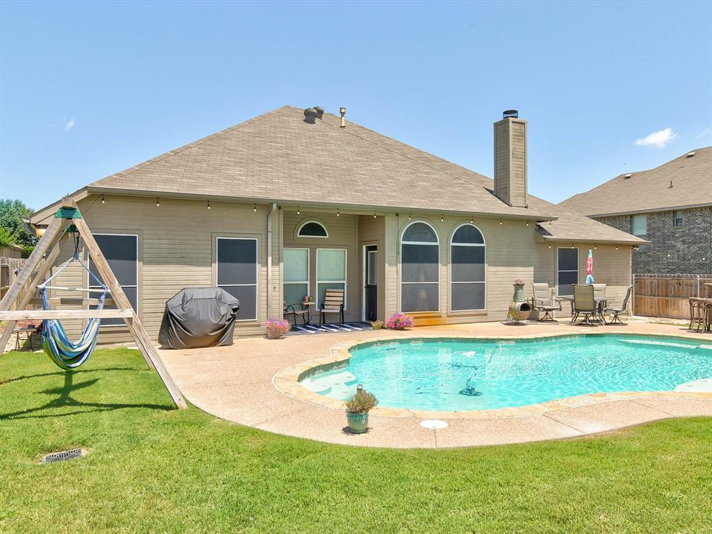 2973 Lakeview  Circle, Burleson, Texas 76028 - acquisto real estate best park cities realtor kim miller best staging agent
