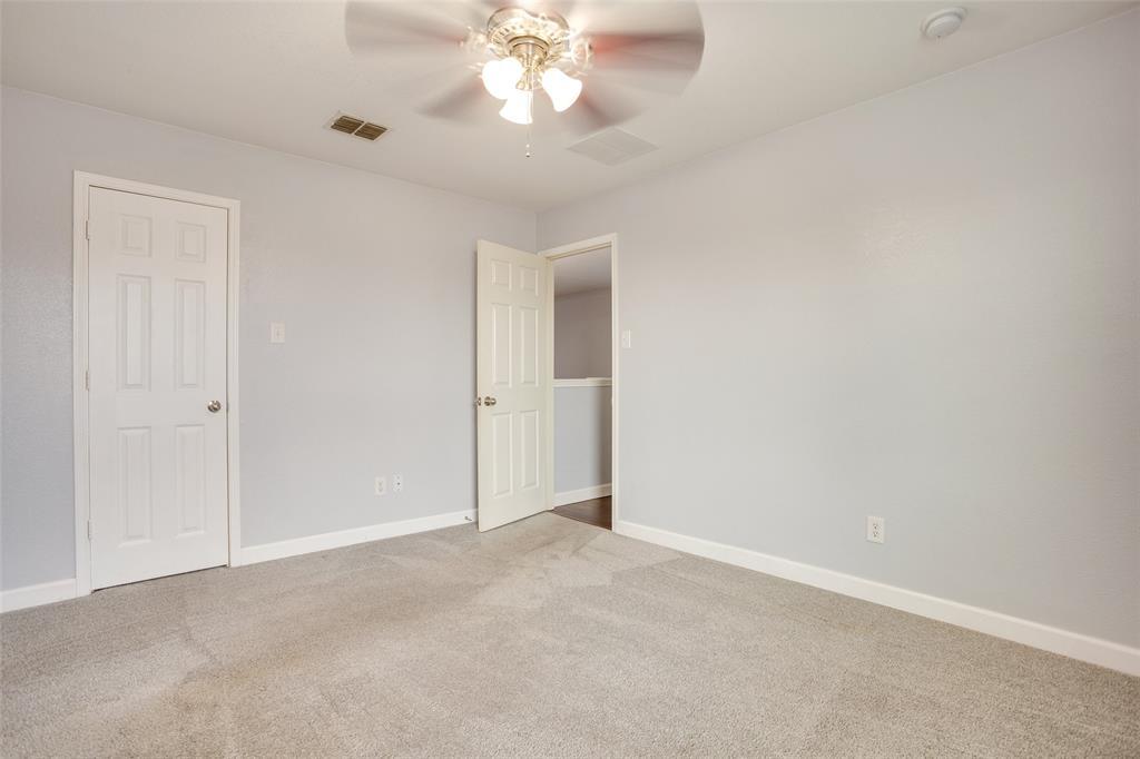 5712 Westgate  Drive, Fort Worth, Texas 76179 - acquisto real estate best negotiating realtor linda miller declutter realtor
