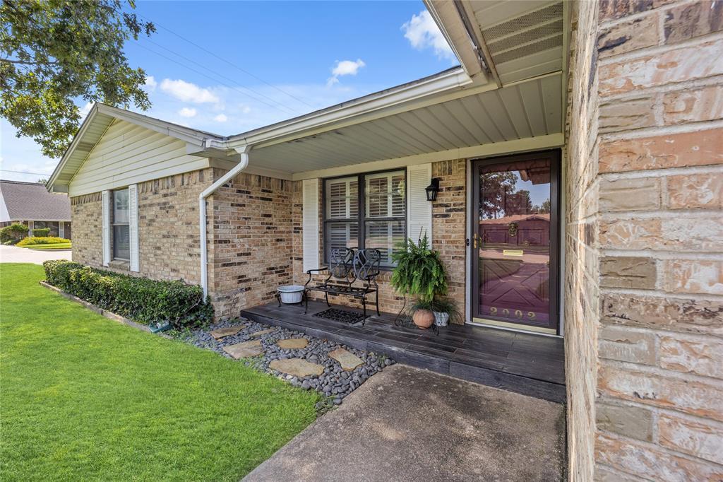 2002 Benjamin  Road, Irving, Texas 75060 - Acquisto Real Estate best frisco realtor Amy Gasperini 1031 exchange expert