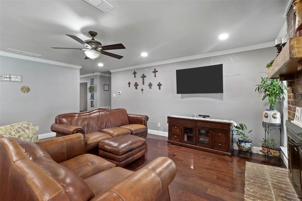 5303 Smoke Tree  Drive, Arlington, Texas 76018 - acquisto real estate best celina realtor logan lawrence best dressed realtor